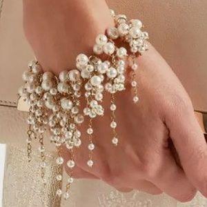 Jewelry - Dangle bracelet